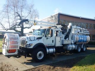 Used 2008 International 7500 Work Star Vacuum Truck Tanker With Air Brakes Diesel for sale in Burnaby, BC