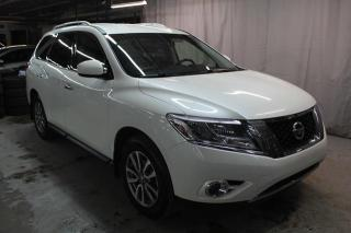 Used 2015 Nissan Pathfinder SV for sale in St-Constant, QC