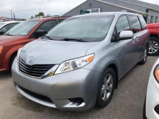 Used 2014 Toyota Sienna LE FWD 8-Passenger V6 for sale in Leamington, ON