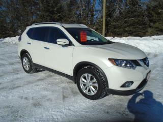 Used 2016 Nissan Rogue SV AWD for sale in Beaverton, ON
