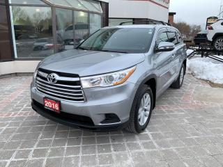 Used 2016 Toyota Highlander LE FWD for sale in Mississauga, ON