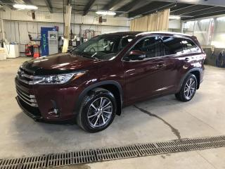 Used 2017 Toyota Highlander Traction intégrale 4 portes XLE for sale in Gatineau, QC