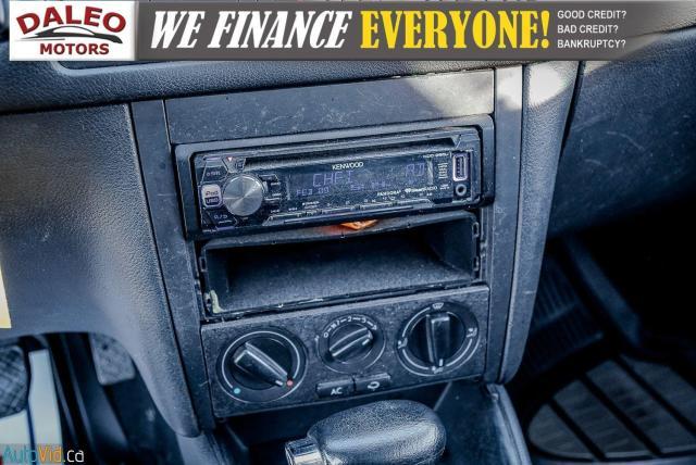 2004 Volkswagen Golf GLS / BUCKET SEATS / HEATED SEATS / Photo18