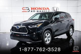 Used 2020 Toyota Highlander HYBRID LE + AWD + HYBRID + 8 PASSAGERS + WOW! for sale in St-Basile-le-Grand, QC