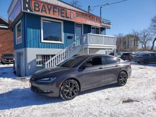 Used 2015 Chrysler 200 S AWD **Leather/Pano Roof/Navi** for sale in Barrie, ON