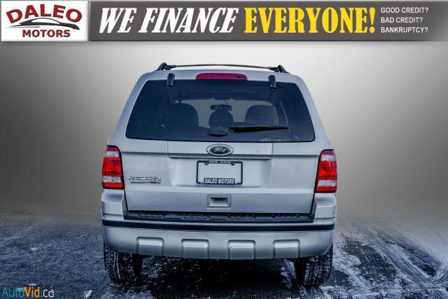 2011 Ford Escape XLT / SUNROOF / SIRIS RADIO / HEATED SEATS Photo7