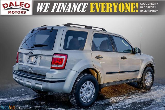 2011 Ford Escape XLT / SUNROOF / SIRIS RADIO / HEATED SEATS Photo8