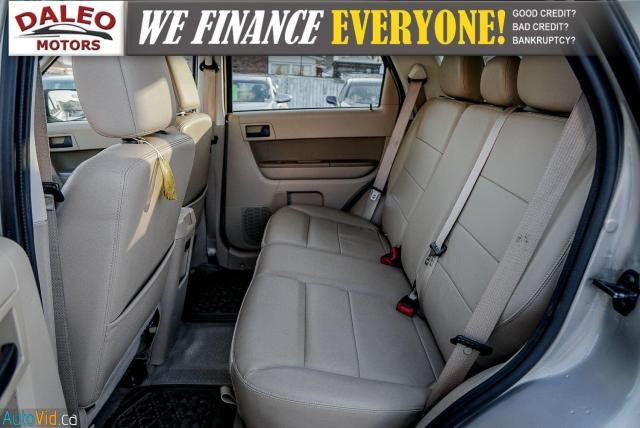 2011 Ford Escape XLT / SUNROOF / SIRIS RADIO / HEATED SEATS Photo12