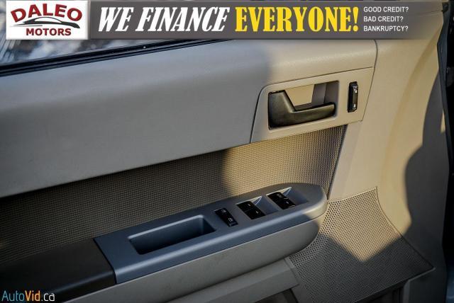 2011 Ford Escape XLT / SUNROOF / SIRIS RADIO / HEATED SEATS Photo16