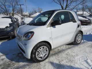 Used 2016 Smart fortwo NAVIGATION CUIR AUTO A/C **37,000KM** for sale in St-Eustache, QC