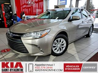 Used 2016 Toyota Camry LE ** CAMÉRA DE RECUL / BLUETOOTH for sale in St-Hyacinthe, QC