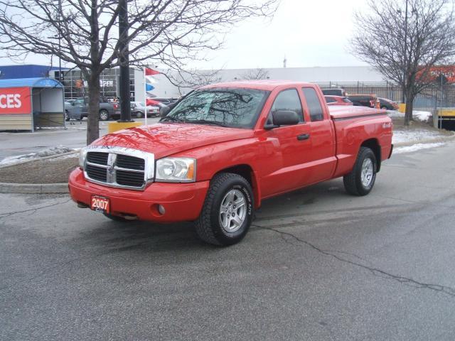2007 Dodge Dakota SLT    4X4