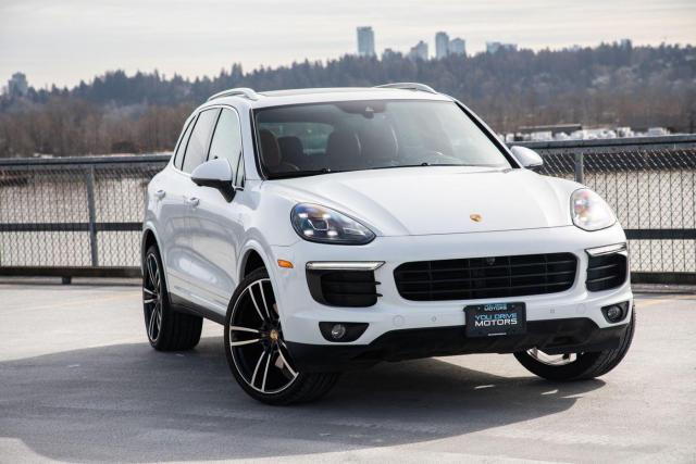 2016 Porsche Cayenne Carrera White/ Red Leather$485 BW TAX INC. $0 DOWN