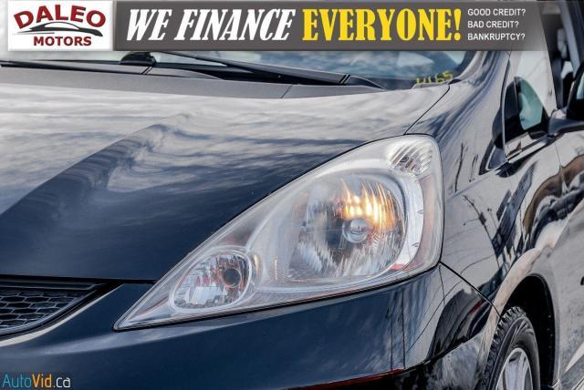 2011 Honda Fit LX / ACCIDENT FREE / LOW MILES / USB INPUT Photo2