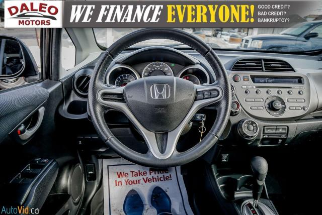 2011 Honda Fit LX / ACCIDENT FREE / LOW MILES / USB INPUT Photo13