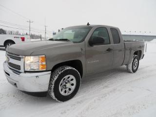 Used 2013 Chevrolet Silverado 1500 4 roues motrices, cabine allongée, 143,5 for sale in Lévis, QC