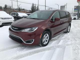 Used 2018 Chrysler Pacifica Hybrid Touring Plus 2RM for sale in Sherbrooke, QC