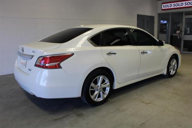 2014 Nissan Altima WE APPROVE ALL CREDIT