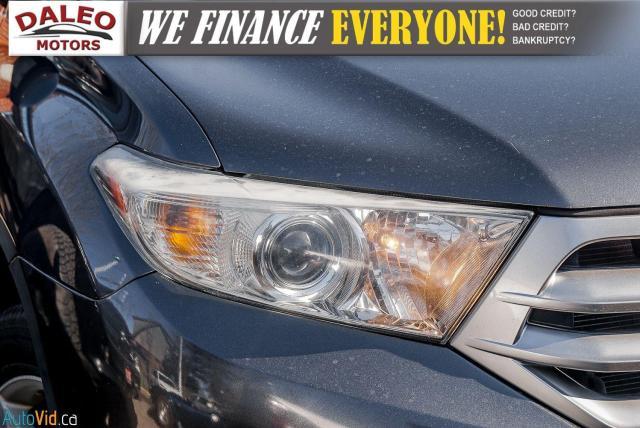 2012 Toyota Highlander LTD / 7 PASS / LEATHER / MOONROOF / NAVI / CAM Photo2