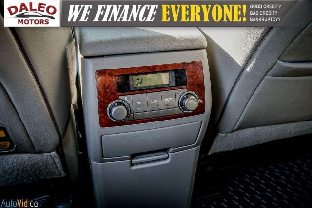 2012 Toyota Highlander LTD / 7 PASS / LEATHER / MOONROOF / NAVI / CAM Photo11