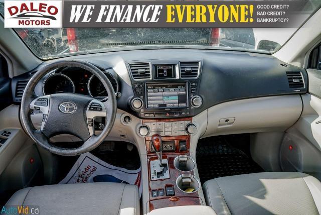 2012 Toyota Highlander LTD / 7 PASS / LEATHER / MOONROOF / NAVI / CAM Photo12