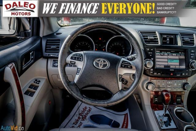 2012 Toyota Highlander LTD / 7 PASS / LEATHER / MOONROOF / NAVI / CAM Photo13