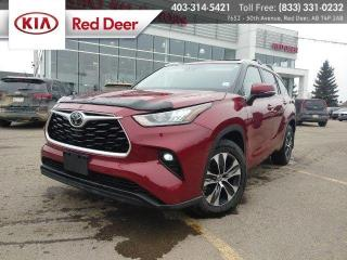 Used 2020 Toyota Highlander XLE for sale in Red Deer, AB
