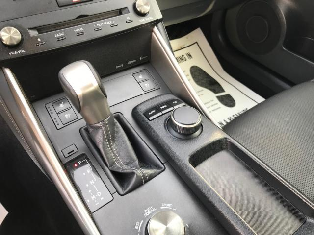 2016 Lexus IS 300 AWD LEATHER/SUNROOF/PUSH TO START Photo12