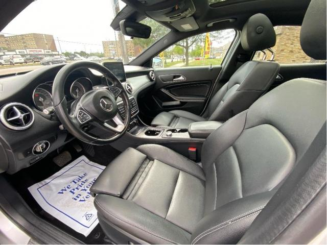 2017 Mercedes-Benz GLA GLA250 4MATIC NAVIGATION/PANO ROOF/72K! Photo11