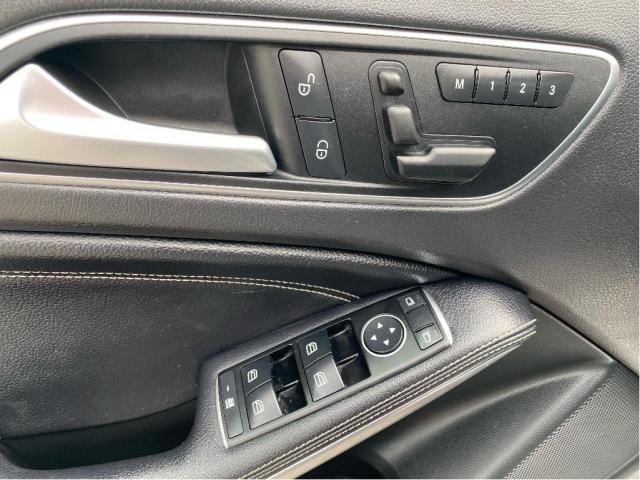 2017 Mercedes-Benz GLA GLA250 4MATIC NAVIGATION/PANO ROOF/72K! Photo13
