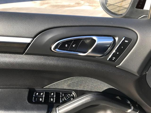 2014 Porsche Cayenne Platinum Navigation/Panoramic Sunroof/Camera Photo11