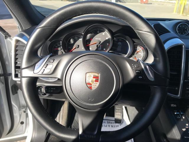 2014 Porsche Cayenne Platinum Navigation/Panoramic Sunroof/Camera Photo15