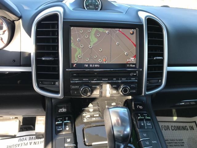 2014 Porsche Cayenne Platinum Navigation/Panoramic Sunroof/Camera Photo16