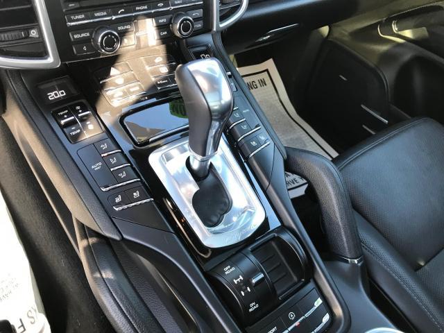 2014 Porsche Cayenne Platinum Navigation/Panoramic Sunroof/Camera Photo18
