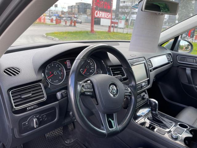 2016 Volkswagen Touareg Sportline AWD NAVIGATION/PANORAMIC SUNROOF/LEATHER Photo13