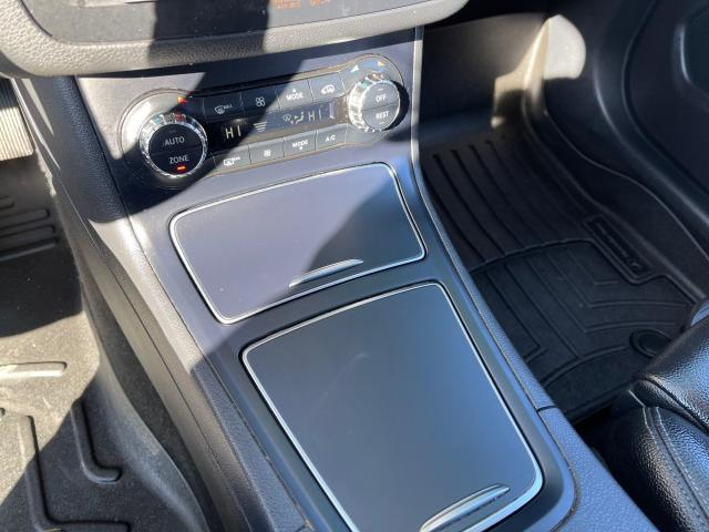 2017 Mercedes-Benz B-Class B 250 4MATIC  Navi/Pano Roof/Leather Photo17