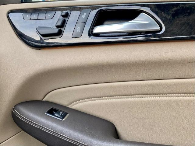 2013 Mercedes-Benz M-Class ML 350 Gas Engine Navi/Pano Roof/Camera Photo23