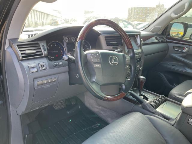 2010 Lexus LX 570 ULTRA PREM 4X4 NAVIGATION/REAR CAM/8 PASSENGER Photo10