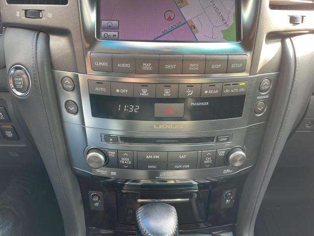 2010 Lexus LX 570 ULTRA PREM 4X4 NAVIGATION/REAR CAM/8 PASSENGER Photo17