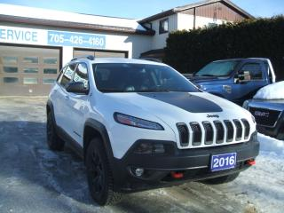 Used 2016 Jeep Cherokee Trailhawk, V6, AWD for sale in Beaverton, ON
