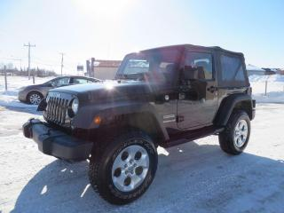 Used 2017 Jeep Wrangler 4 RM 2 portes Sport for sale in Lévis, QC