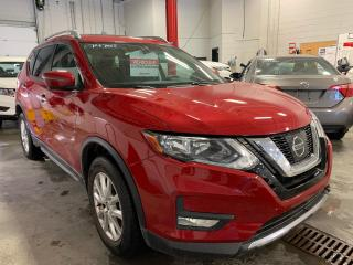 Used 2017 Nissan Rogue SV TECH PACK MAGS TOIT PANO GPS CAMERA DE RECUL for sale in Île-Perrot, QC