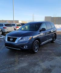 Used 2014 Nissan Pathfinder SL | LOADED | 4WD | $0 DOWN - EVERYONE APPROVED! for sale in Calgary, AB