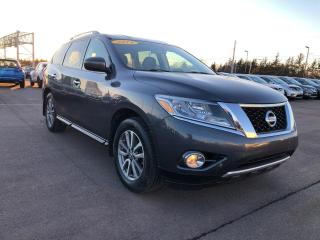 Used 2014 Nissan Pathfinder SL 4x4 for sale in Charlottetown, PE