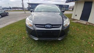 Used 2012 Ford Focus 5DR HB SE for sale in Windsor, ON