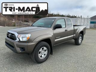 Used 2014 Toyota Tacoma 4X4 ACCESS CAB SR5 for sale in Port Hawkesbury, NS
