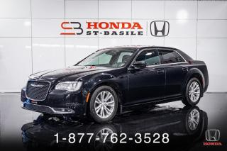 Used 2015 Chrysler 300 TOURING + CUIR + TOIT + MAGS + WOW! for sale in St-Basile-le-Grand, QC