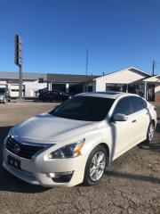 Used 2015 Nissan Altima 2.5/S/SV/SL with POWER SUNROOF for sale in Petrolia, ON