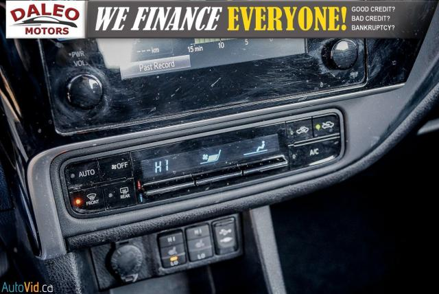 2017 Toyota Corolla LE / HEATED SEATS / LOW KMS / POWER LOCKS & WINDOW Photo20