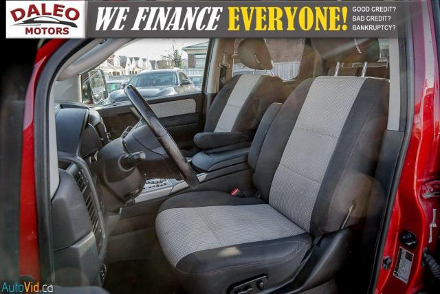 2011 Nissan Titan AWD / POWER DRIVER SEAT & WINDOWS / LOW KMS Photo10